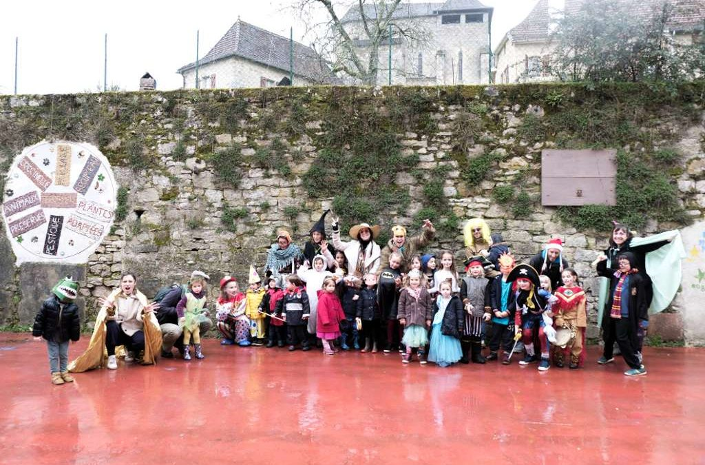 Carnaval de l'école à Fons